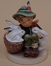 Hummelfgur-Goebel, rabbit father, model 58/0, colored painted, H .: ca. 9cm