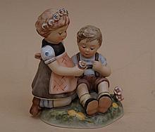Hummel - Goebel, flower children, model 914, first edition 2008, H .: 12cm