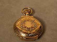 Men's pocket watch -.. American Waltham Watch Co., heavy 4 Color Gold hunter, 14K, 3
