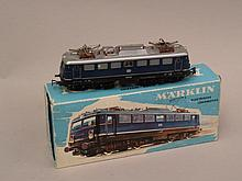 Marklin H0 3039 Type LT 1 electric locomotive DB, BN E10 238, state 1, in Org. Box. Damage