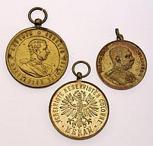Insieme di tre medaglie relative al Sudtirolo - 3 Medaillen Südtirol