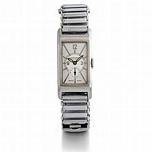 Movado, chronomètre, n° 444323, vers 1930.    Une montre rectangula
