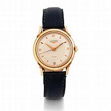 Longines, Mvt. 9560138, vers 1950.    Une montre ronde en or à fond