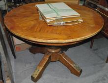 VINTAGE SOLID OAK DINNER TABLE WITH VINTAGE
