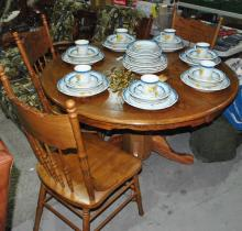 SOLID OAK CLAW TABLE WITH THREE MATCHING CHAIRS
