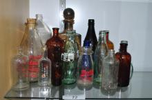 LOT OF VINTAGE COLLECTIBLE BOTTLES