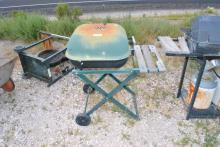 GREEN CHARCOAL GRILL W/STAND