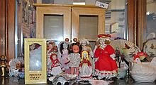 LOT OF COLLECTIBLE MINI DOLLS & FIGURINES