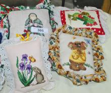 LOT OF 4 EMBROIDERED SMALL DECOR PILLOWS