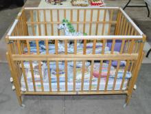 VINTAGE NULINE WOOD PORTABLE BABY CRIB