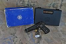 BERETTA MODEL 92FS 9MM W/ CASE&BX &cleaning rod
