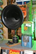 2pc. Lot speaker, gumball machine