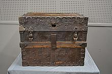 Early Stagecoach Trunk 21