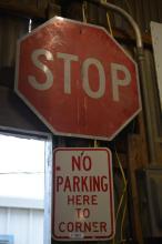 2 Piece Sign Lot- 'Stop' 'No Parking'