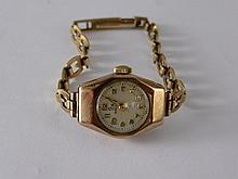 A Lady's 9 ct Gold Vintage Cocktail Watch, the wat