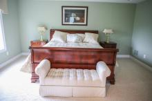 6-Piece Ethan Allen banded mahogany bedroom suite, c/o gentleman's chest, double dresser with mirror, king-sized sleigh bed, 2 4-dra..