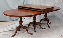 3-part banded mahogany oval Queen Anne style banquet table, rectangular center with (2) half round ends, each 32