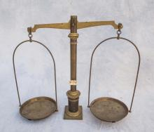 Double pan brass balance scale, 19