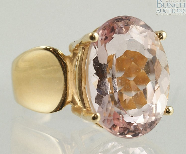 14K YG ladies ring with very pale amethyst colored stone, 16 x 12 mm, size 5, 4.4 dwt