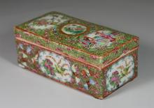 Chinese Export Rose Medallion porcelain brush box, 7 1/2
