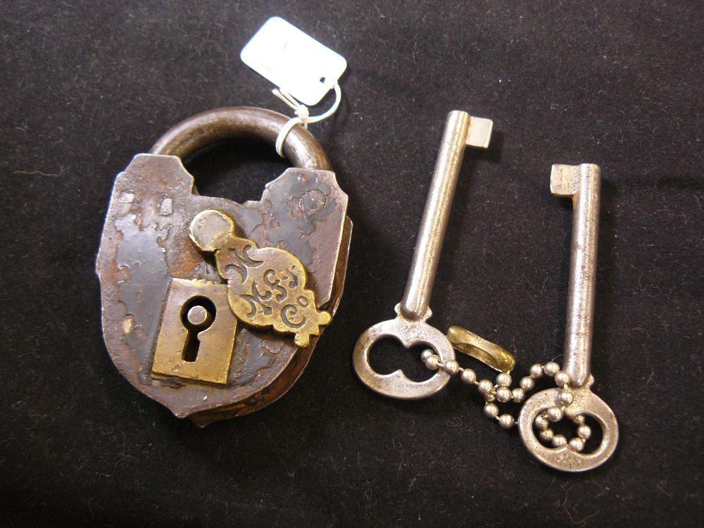 Antique MF Co Lock w/Skeleton Keys.