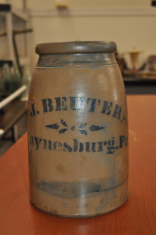 Stoneware jar w/Cobalt Blue decoration. J. Beuter, Waynesburg, Pa.