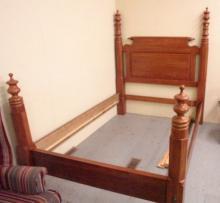Oak Poster Bed