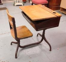 Early swivel School Desk