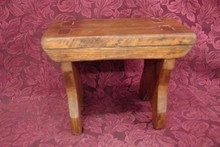 EARLY VIRGINIA PINE FOOT STOOL