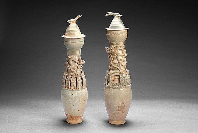 PAIR (2) OF CHINESE 'DRAGON' JARS WITH COVER