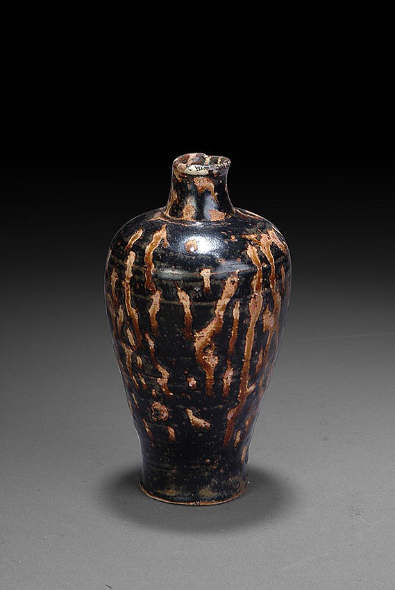 A JAPANESE GLAZED VASE