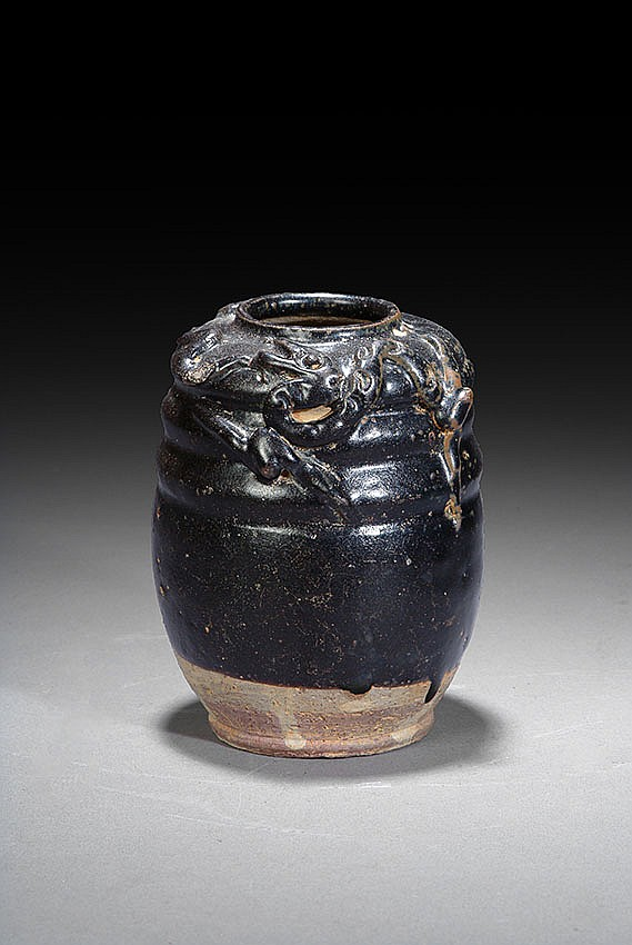 A CHINESE BLACK GLAZED VASE