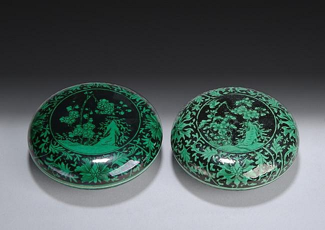 A PAIR OF FAMILLE VERTE GREEN PASTE BOXES