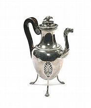 Caffettiera tripode in argento fuso e sbalzato, Torino 1810 circa