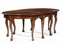 Tavolo ovale in noce a tre elementi, Toscana seconda metà XVIII secolo