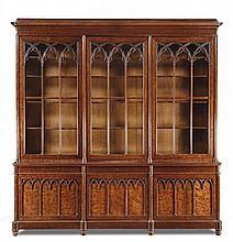 Libreria in mogano decorata da intagli, Periodo neogotico, Francia XIX secolo