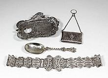 An Edward VII silver belt with pierced links, 27ins overall, by Henry Mathe