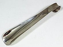 A George V silver shoe horn, 8ins overall, by