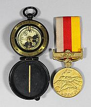 A 20th Century Cavalry School pocket compass in