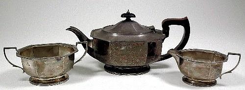 An Elizabeth II silver three piece tea service