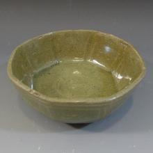 ANTIQUE KOREAN GORYEO CELADON PORCELAIN BOWL, 13-14TH CENTURY