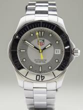 Tag Heuer Aquaracer Quartz Watch   *