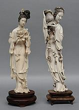Two Chinese ivory carved figures on a wooden base, ca. 1900, H 33 - 34,5 cm (minor damage)