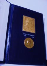 1982 WASHINGTON MEDAL & GOLD STAMP IN PRESENTATION CASE