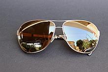 GIORGIO ARMANI  Paire de lunettes de soleil forme