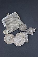 Lot de pièces et de médailles en argent