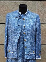 CHANEL  Veste en laine bleu et blanc,