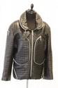 Issey MIYAKE - Blouson en cuir noir matelassé, à décor de zips chromés,  deux grandes poches sur le devant, taille M. Années 80. Bon état.