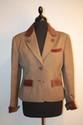 HERMES - Blazer en whipcoat marron, col , poignets et rabas de poche en velours marron, boutons velours ornés d'un cor de chasse  en métal argenté , siglés Hermès, taille 36 / 38. Bon état
