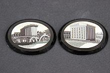 Ensemble de deux médaillons en micro mosaïques sur pierre représentant des vues nocturnes de Rome